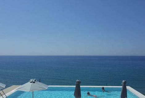 Infinity Pool Kreta Apartment Portela 2 Personen mit Kind