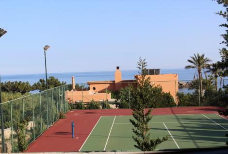privater Tennisplatz Flutlicht Kreta Villa Luxury Heaven