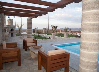 Lounge Pool chilled Kreta Blue Horizon Villa Suites Sitia